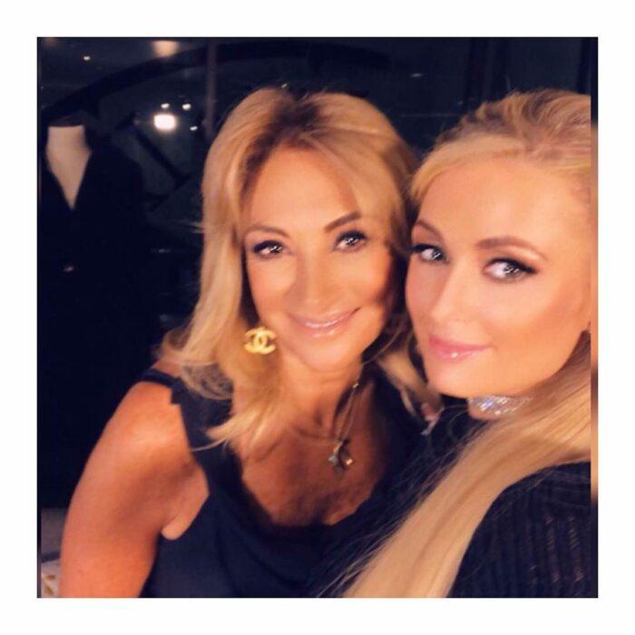 Adela Micha y Paris Hilton