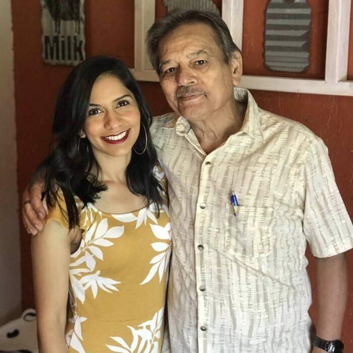 Profesor alejandro navarro con su hija