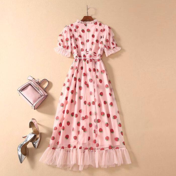 Regalos bonitos para el intercambio de Navidad; vestido rosa de fresas de tul