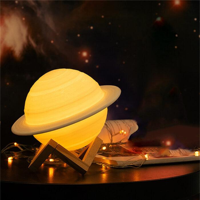 Regalos bonitos para el intercambio de Navidad; lámpara de planeta Saturno