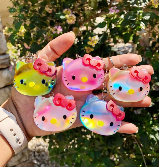 Regalos bonitos de Hello Kitty que puedes comprar en línea; llaveros