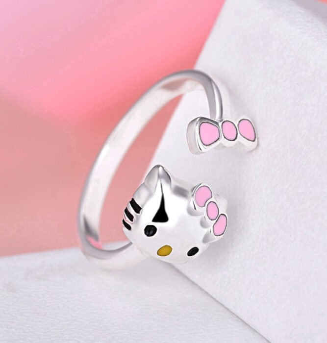 Regalos bonitos de Hello Kitty que puedes comprar en línea; anillo