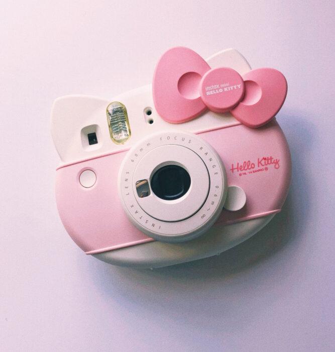 Regalos bonitos de Hello Kitty que puedes comprar en línea; cámara instantánea