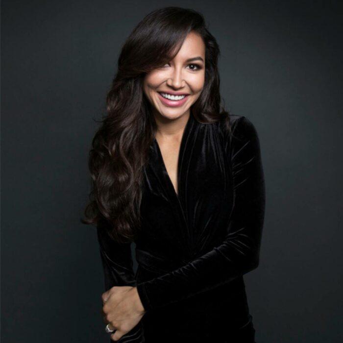 Naya Rivera actriz de Glee, sonriendo, 13 Famosos que partieron de este mundo en 2020