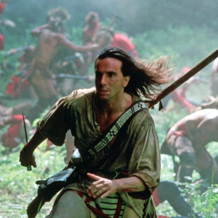 Daniel Day-Lewis en el último mohicano; 12 Actores que aprendieron habilidades para obtener un papel