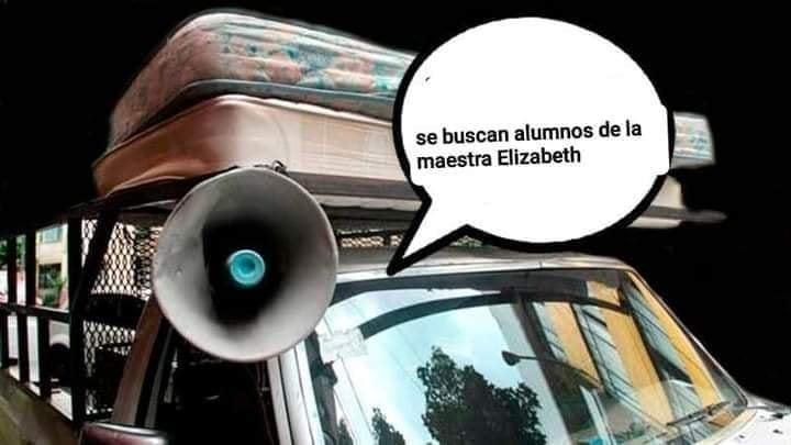 meme de una camioneta con megafonos que busca alumnos para que entreguen sus tareas