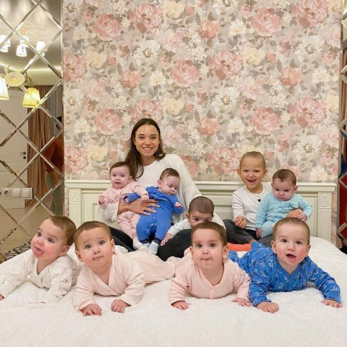 Christina con sus hijos