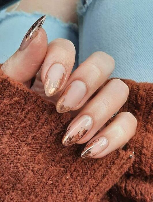 Oval Acrylic Nails with Gold Decoration