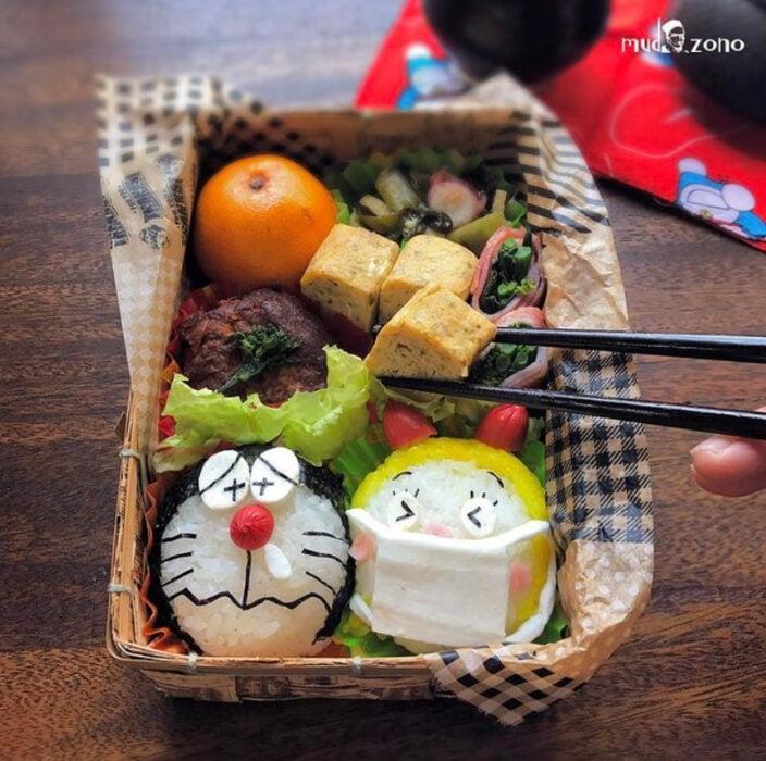 Platillo inspirado en Doraemon hecho por Kaseifu Mudazono