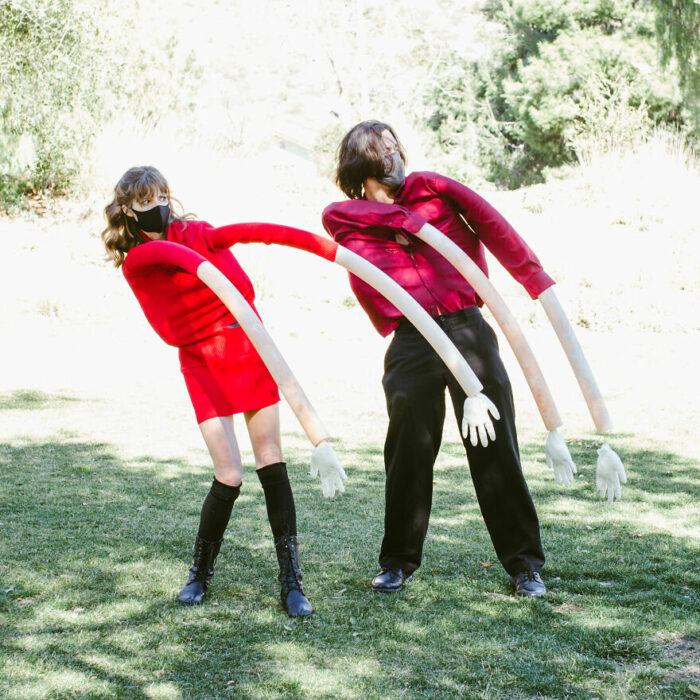 Pareja de novios bailando;  fotografía de Alexa Machado