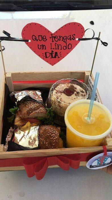 Cajita de desayuno sorpresa para San Valentín