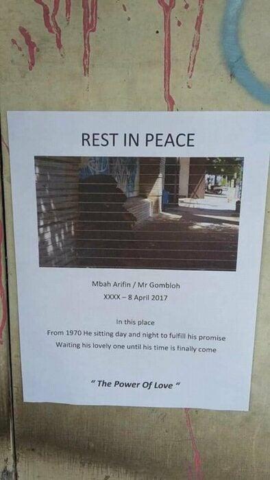 Nota impresa en hoja de máquina para memorar la vida de Pak Arifin