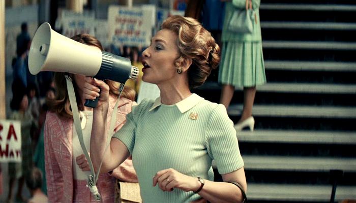 escena de la serie Mrs America