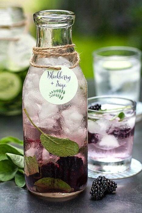 Limonada con moras; 13 Bebidas para llenar de sabor tus tardes de calor
