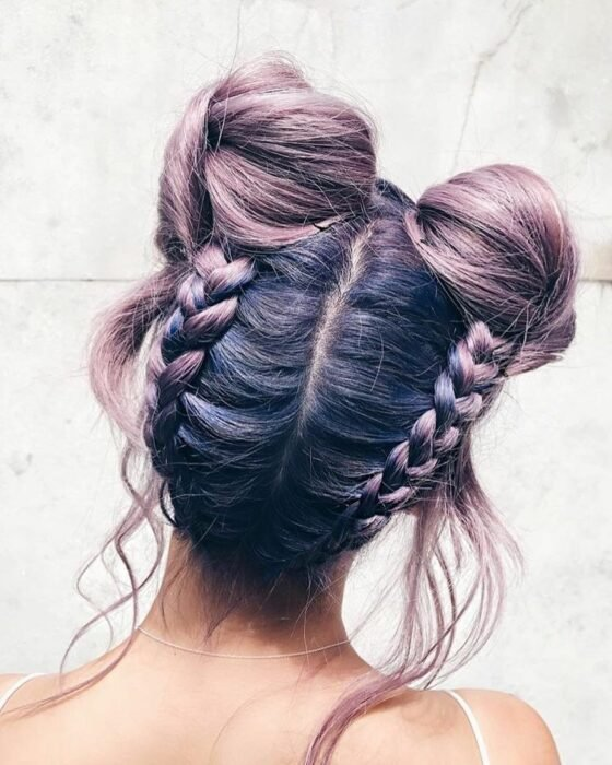 Girl with high double bun and braids; 13 cute hairstyles to share on your Instagram stories
