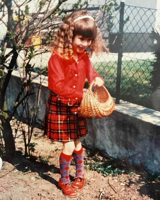 Heidi Klum cuando era niña posando para una fotografía