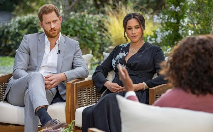 Harry y Meghan siendo entrevistados por Oprah