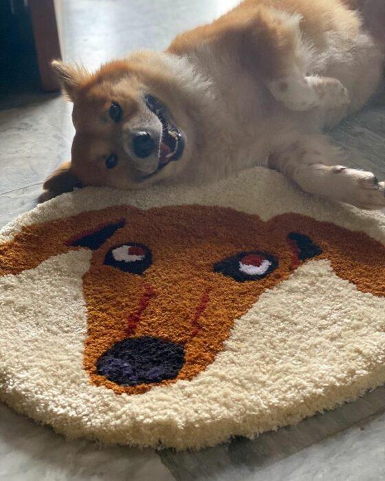 Tapete redondo con estampado de cara de perro; Este local vende los tapetes más hermosos que verás