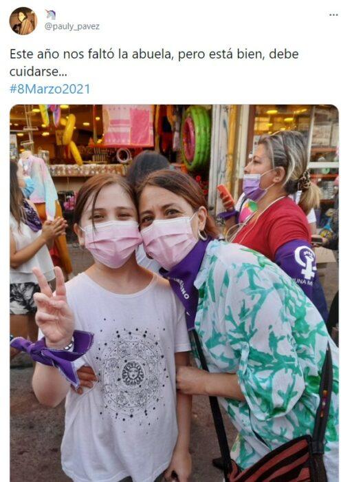 Comentarios en twitter de mujeres marchando el día internacional de la mujer 2021