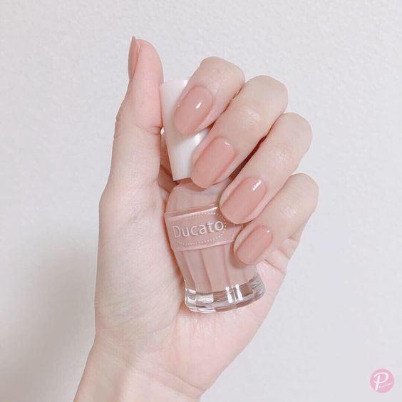 Manicura rosa pálido con efecto gloss; Ideas para manicura nude