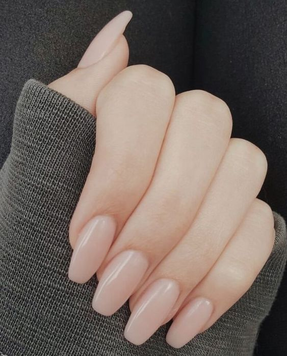Manicure with a natural effect in acrylic; Ideas for nude manicure