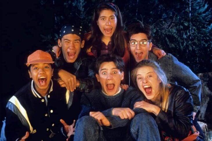 Escena del programa de Nickelodeon; ¿Le temes a la oscuridad?