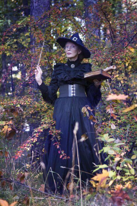 Cosplay de bruja, de Marina Badianova