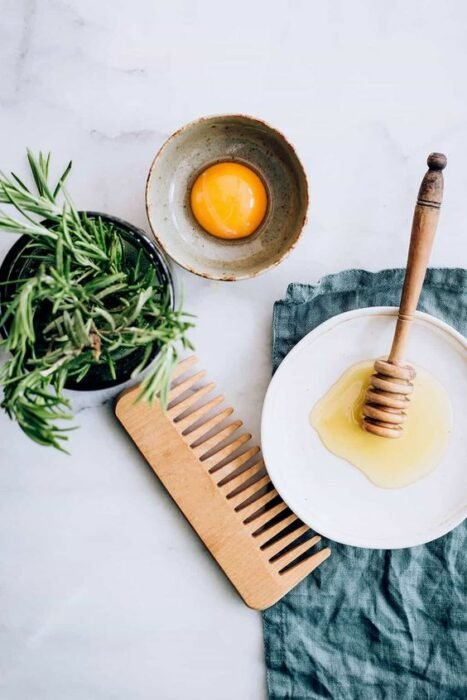 Ingredientes para preparar una mascarilla a base de huevo; Mascarillas con huevo para una piel bonita