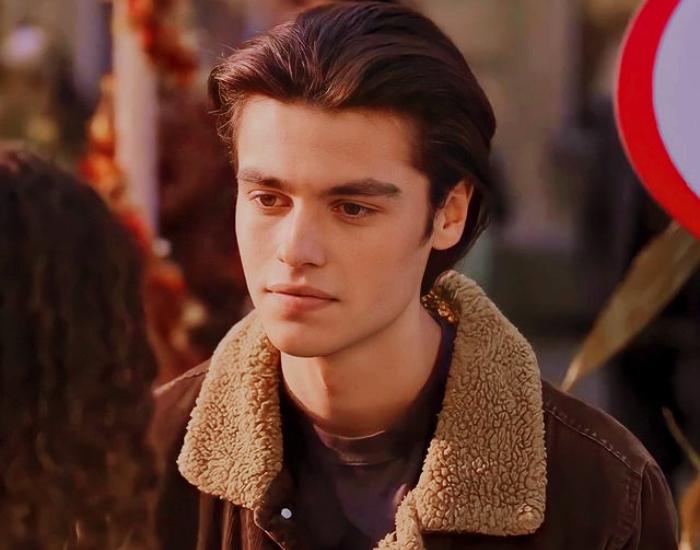 """escena de Marcus Baker en la serie """"Ginny y Georgia"""""""