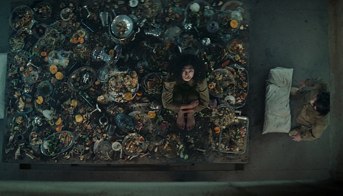 escena de la película El hoyo