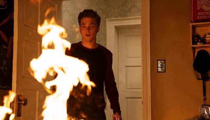 escena de la serie Little Fires Everywhere