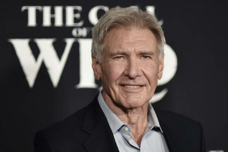 Harrison Ford en una entrega de premios; 13 Celebridades que alcanzaron la fama después de los 30 años