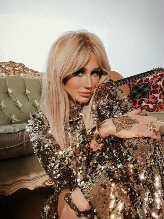 Kesha; 13 Famosos que se declararon abiertamente pansexuales