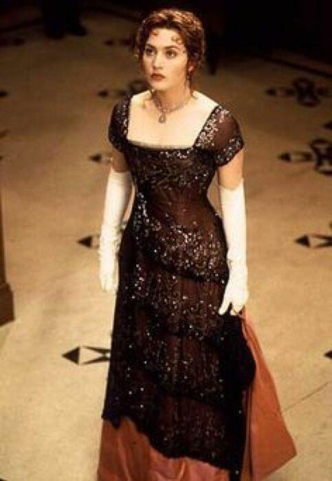 kate winslet vestido rojo titanic