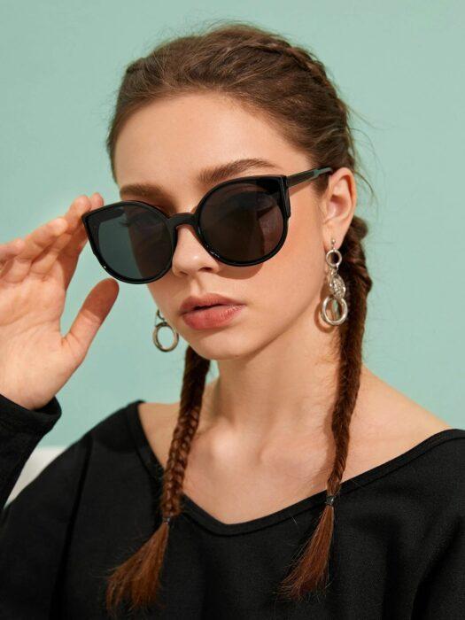 Gafas de sol oscuras; 14 Básicos para sobrevivir al calor con bastante glamour