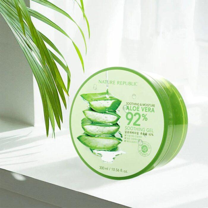 gel de aloe vera para el cuerpo; 14 Básicos para sobrevivir al calor con bastante glamour