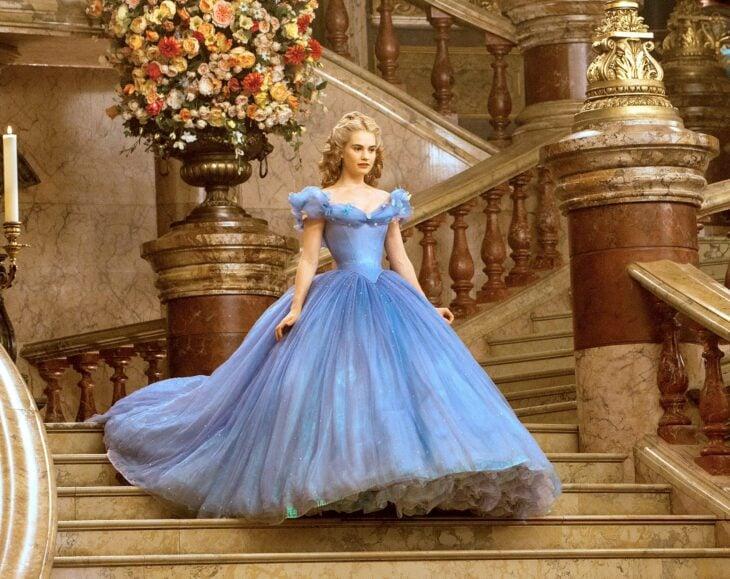Vestido azul la cenicienta Lily James
