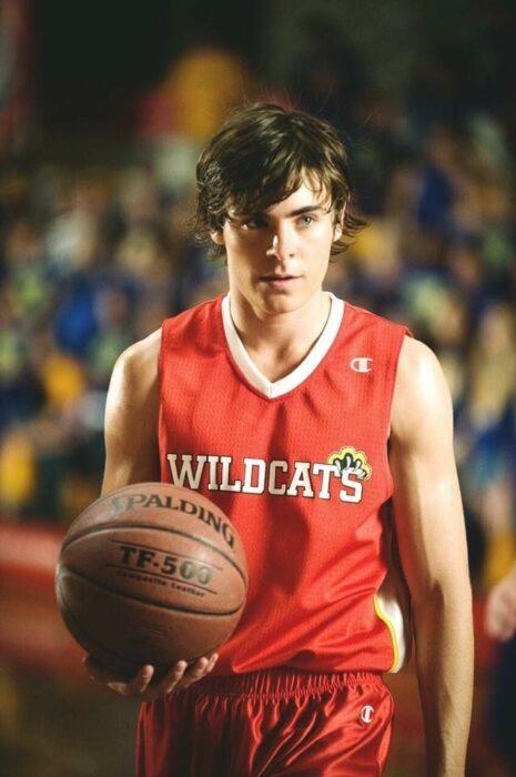 Zac Efron para la película:High School Musical; 15 Celebridades que se dicen arrepentidas de los papeles que han tomado