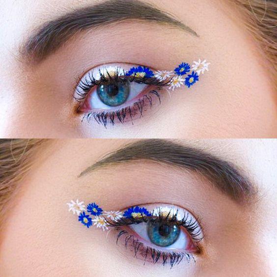 Delineado blanco con flores azul rey;  Delineados con flores para una mirada llena de color