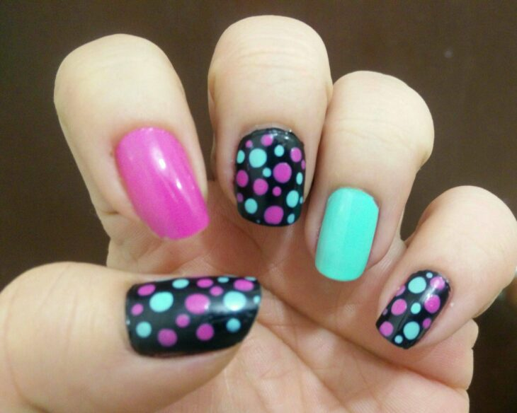 Manicure with colored dots