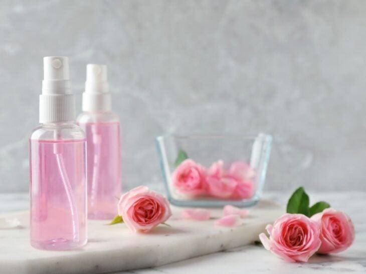 Agua tónica casera hecha con rosas; Beneficios que el agua tónica aporta a la piel de tu rostro