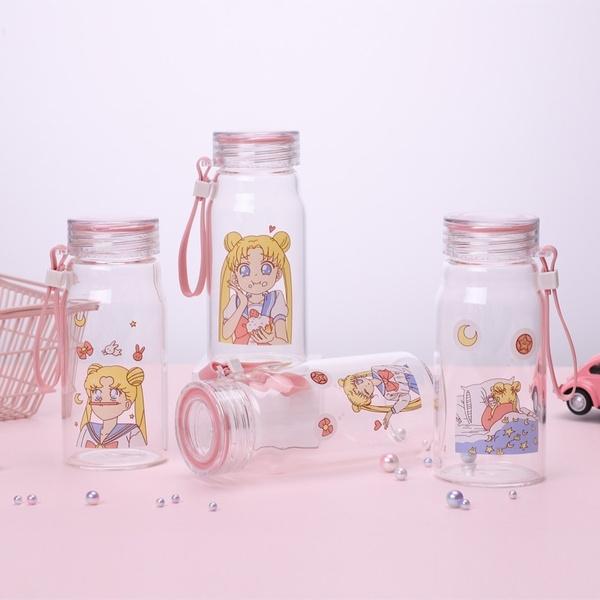 cilindro transparente con estampado de Sailor Moon; Cilindros bonitos que te motivaran a beber aguita todo el días