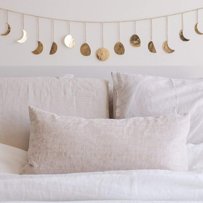 Guirnalda con las fases de la luna para decorar la habitación