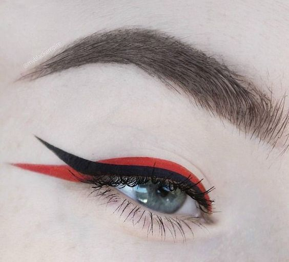 Double lining with red and black; aesthetic outlines that you will want to try