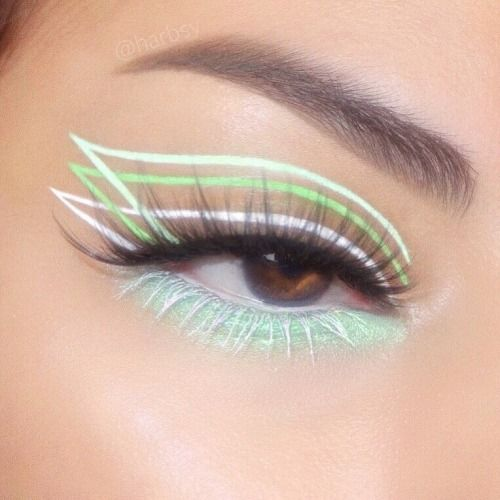 Triple liner in mint tones; aesthetic delineations that you will want to try
