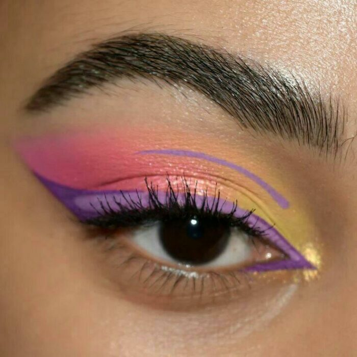 Outlined in lilac over yellow shadows; aesthetic outlines that you will want to try