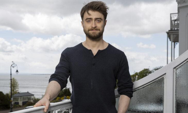 Daniel Radcliffe  posando durante una sesión de fotos en un evento
