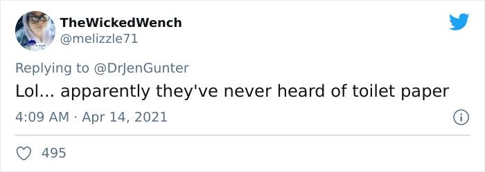 Comentario en twitter sobre el guante hecho para cambiar tampones