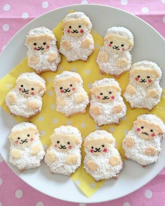galletas de mantequilla con coco en forma de borreguito; Platillo elaborado por nao2748; Hermosa comida de bento estilo japonés