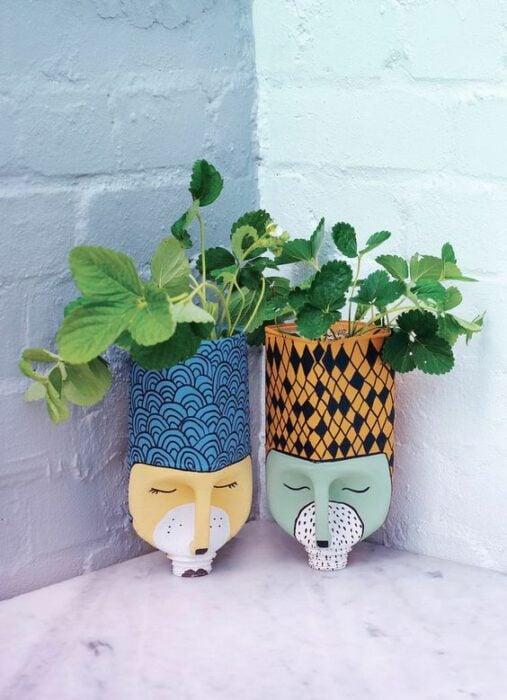 Maceta decorada con botellas de plástico; Ideas para crear tus propias macetas